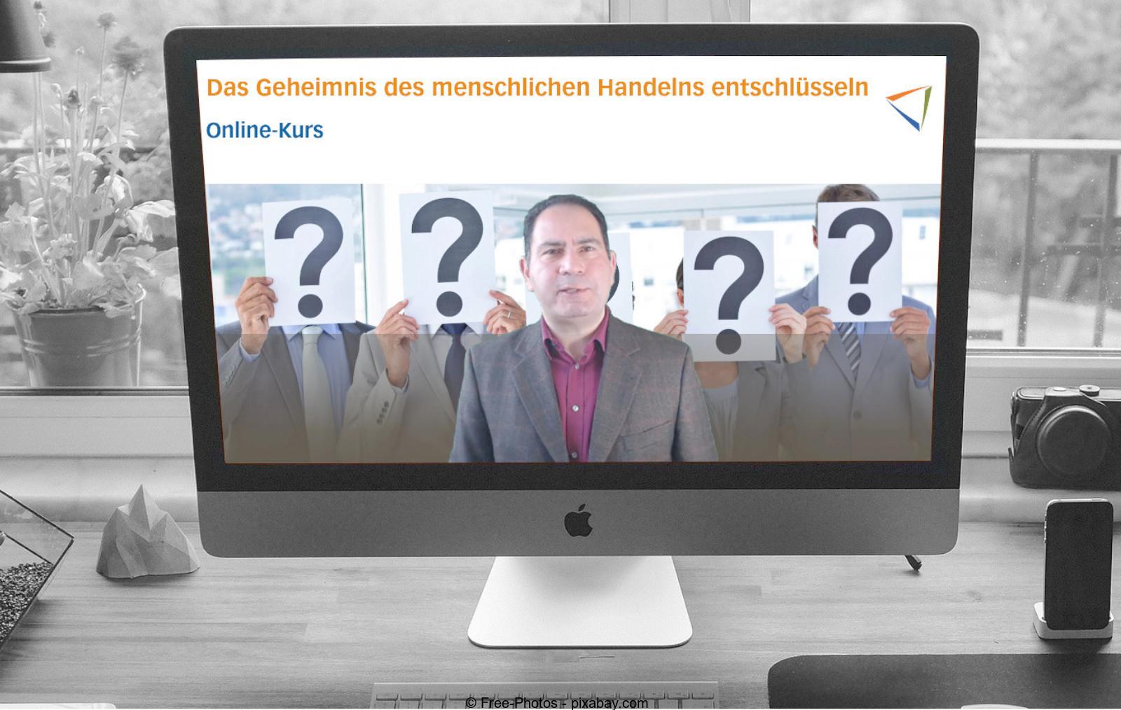 Bildschirm zeigt den Online-Kurs als roter Faden vom Online-Workshop